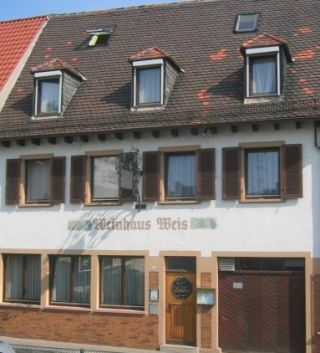 Hotel/Pension Weinhaus Weis